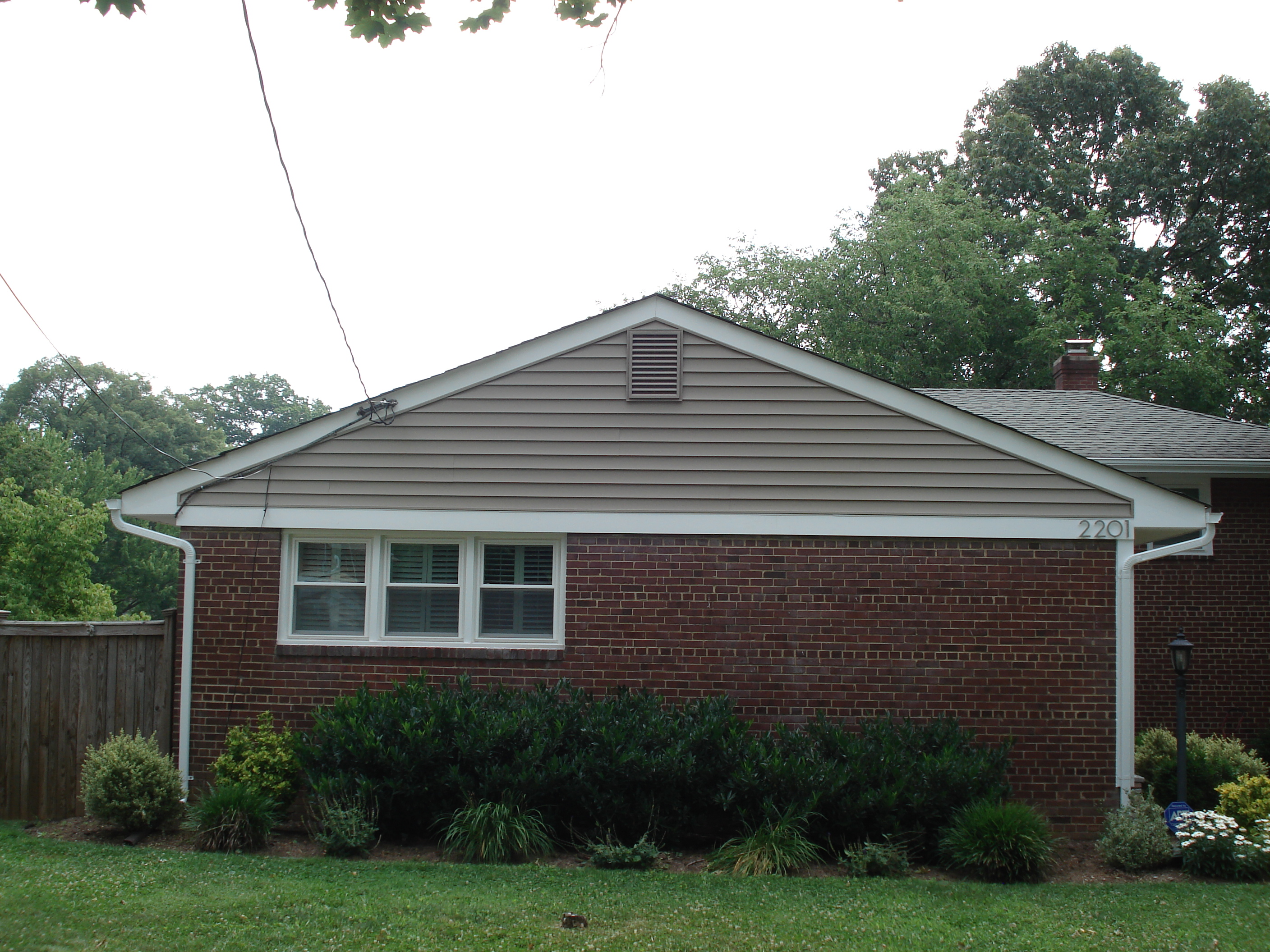 100 vinyl siding installation in greater cornerstone for Norman rockwell siding